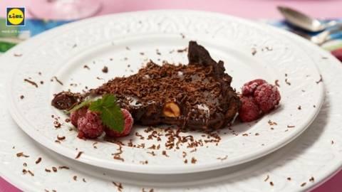 Tarta de ciocolata cu bombonele misterioase