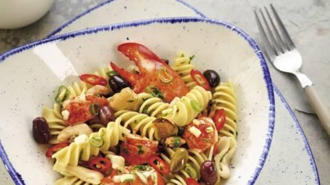 Salata de paste cu fructe de mare