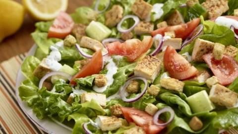 Salata de pui cu sos de smantana