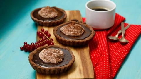 Minitarte cu crema de cafea si ciocolata