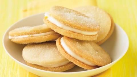 Biscuiti cu crema de lamaie