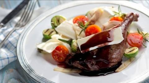 Pulpa de rata cu sos de vin de Bordeaux