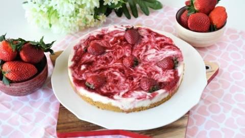 Cheesecake cu mascarpone si capsune