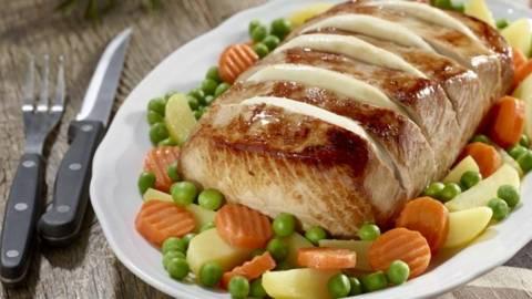 Friptura de porc cu mozzarella si legume