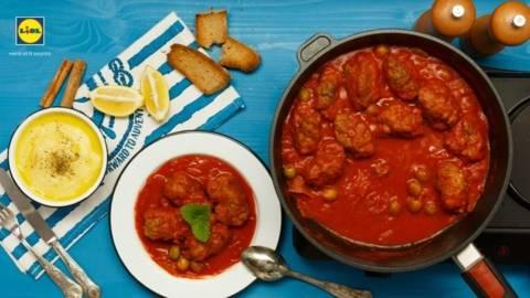 Chiftelute traditionale grecesti cu sos