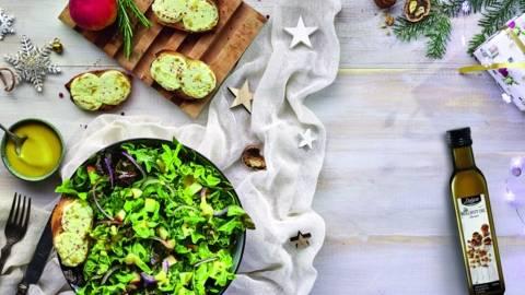 Salata cu branza de capra gratinata
