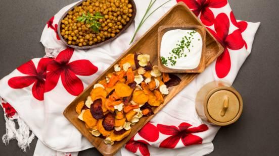 Chipsuri din legume si naut crocant