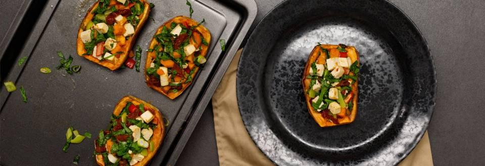 Cartofi dulci copti cu tofu, ardei si ceapa