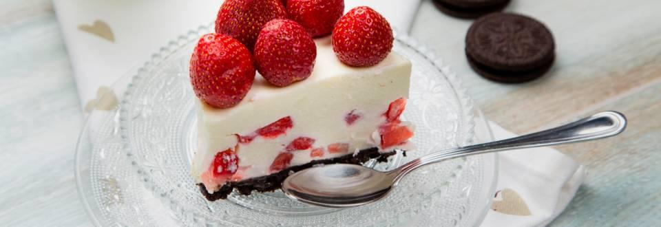 Cheesecake cu oreo si capsuni