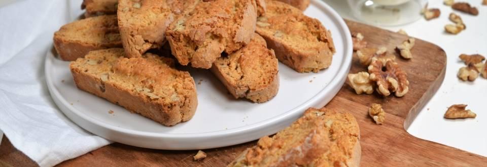 Biscotti cu nuci