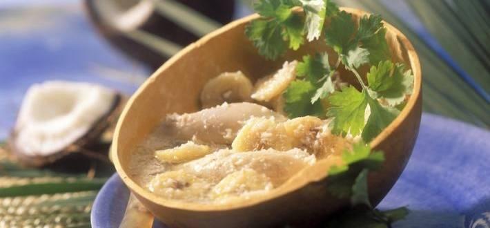 Supa de cocos cu pui si banane