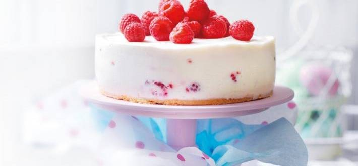 Tort cu zmeura si iaurt