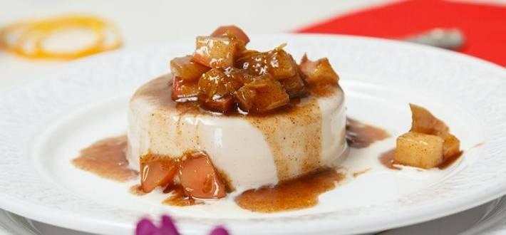 Panna Cotta cu mere caramelizate