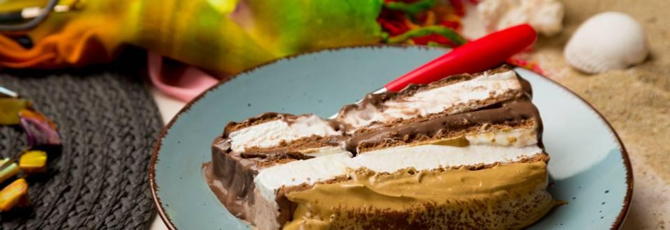Ice Cream Sandwich Cake cu glazura Dalgona