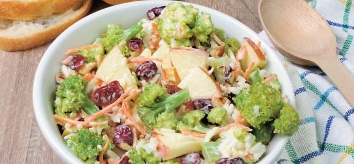 Salata de pui cu broccoli si mar
