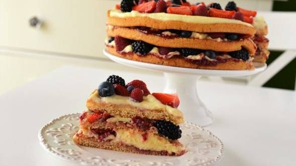Tort cu vanilie si fructe