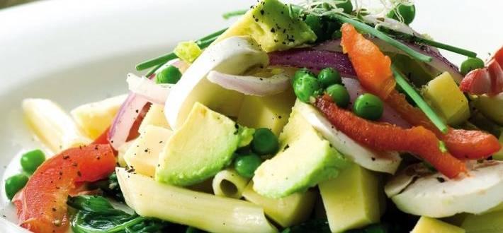 Salata de legume fragede cu paste