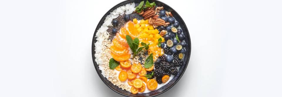 Bol pentru mic dejun cu fructe