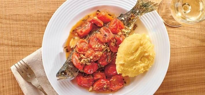 Pastrav la cuptor cu sos mediteranean