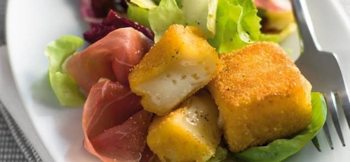 Salata cu cascaval pane