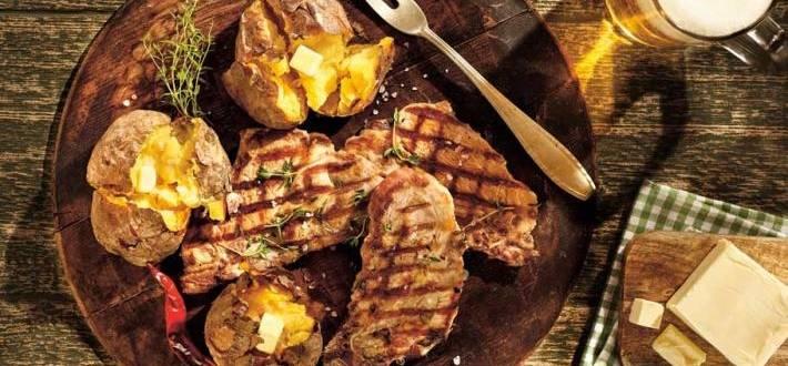 Ceafa marinata in bere si cartofi copti