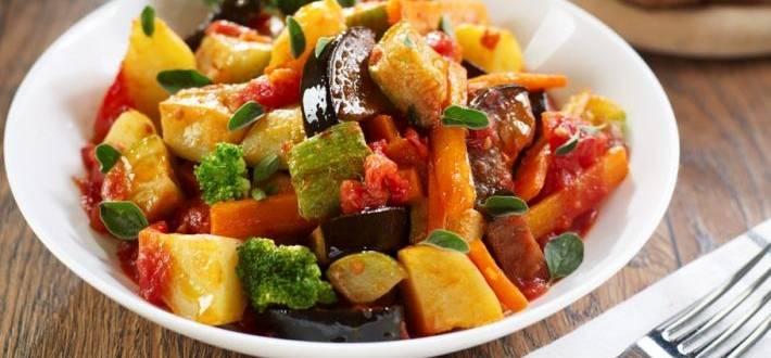 Tocana de legume cu oregano
