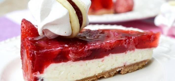 Cheesecake cu jeleu de capsuni (fara coacere)