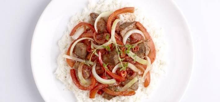 Gulas de vita cu orez
