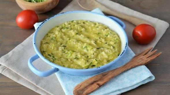 Orez cu zucchini si cheddar