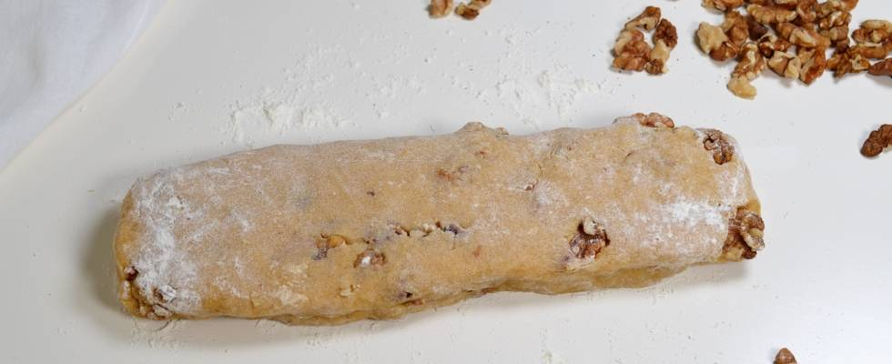 Pas 3 - Biscotti cu nuci